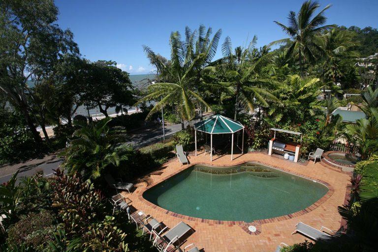 trinity-beach-holiday-accommodation-2-3bedroom3