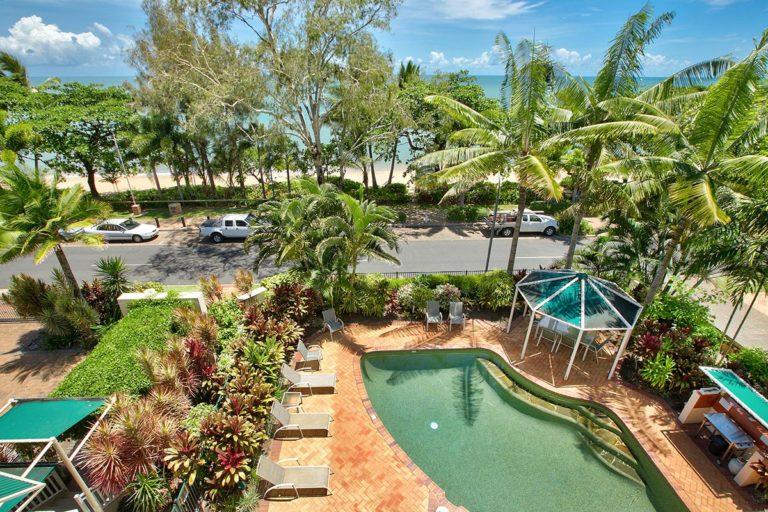 trinity-beach-holiday-accommodation-2-3bedroom6