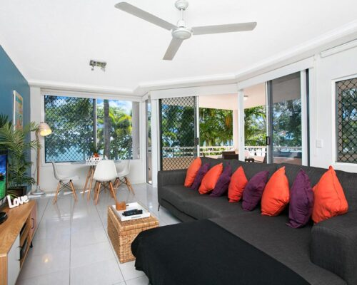 trinity-beach-holiday-accommodation-2b-beachfront8