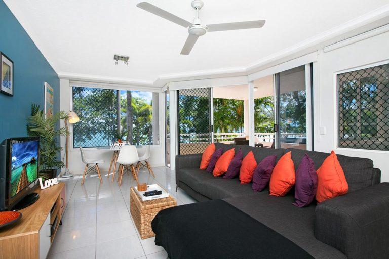 trinity-beach-holiday-accommodation-2b-beachfront8