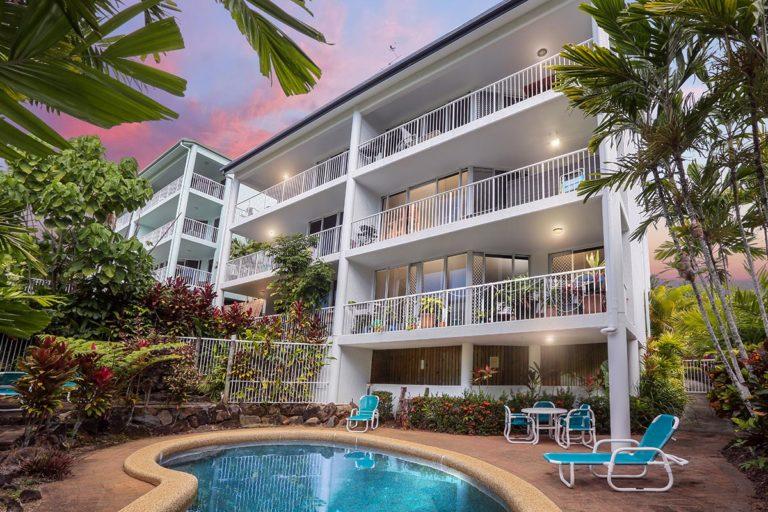 trinity-beach-holiday-accommodation-2b-gardenview7
