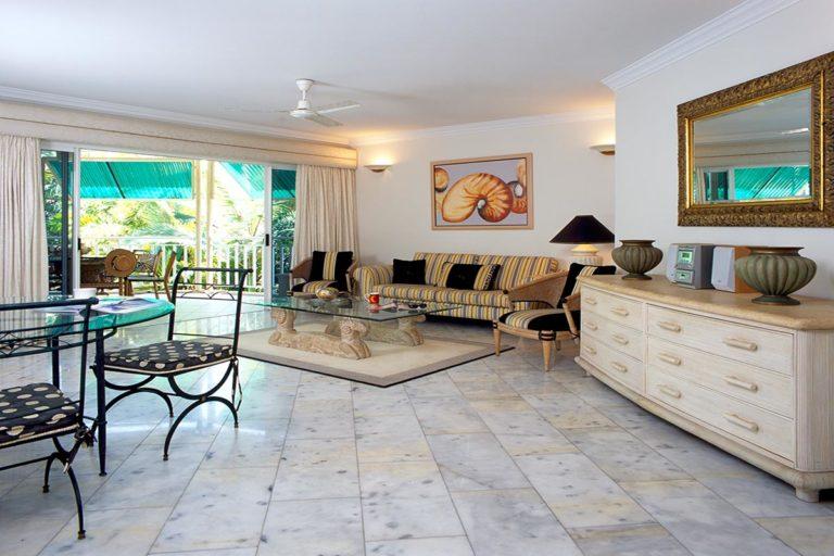 trinity-beach-holiday-accommodation-3b-beachfront14